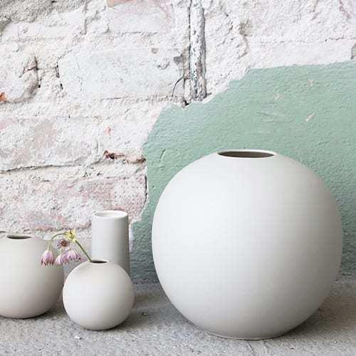 Vázy Ball vase 20cm white
