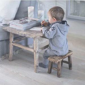Nábytek Hranatá vintage stolička Baby light