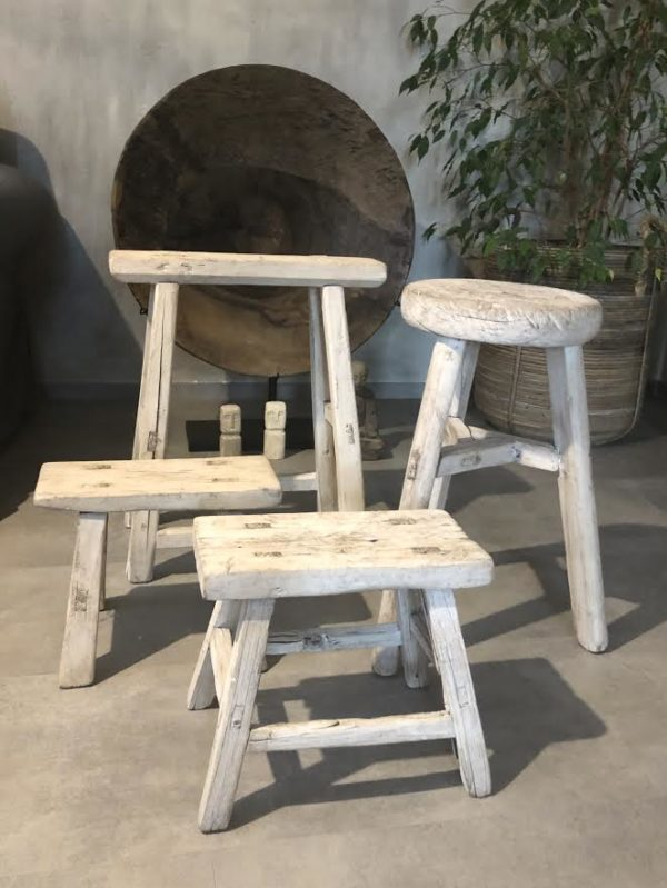 Nábytek Kulatá vintage stolička LIGHT
